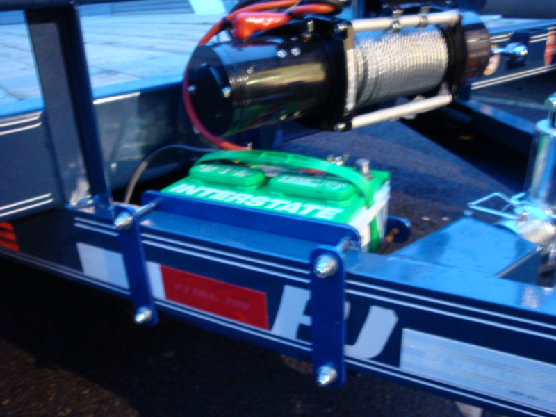 Trailer battery mount